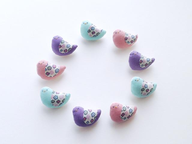 小鳥のブローチ(うす紫3)
