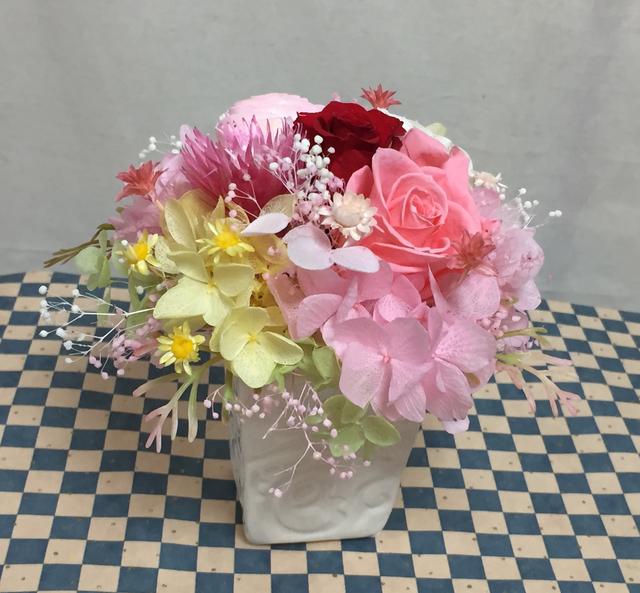 ピンクのバラとラブリーなお花達/プリザ...
