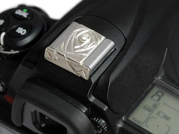 キュービックジルコニアを入れたバラのシルバー製カメラホットシューカバー SCN-506