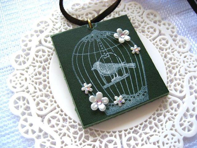 鳥籠と白いお花の革ロングネックレス_222