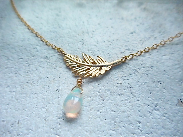 Happy Feather and Opal necklace 14kgf