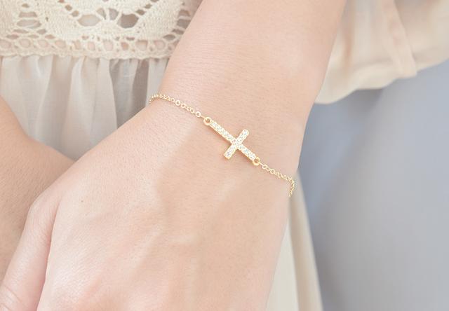 Cross motif Bracelet