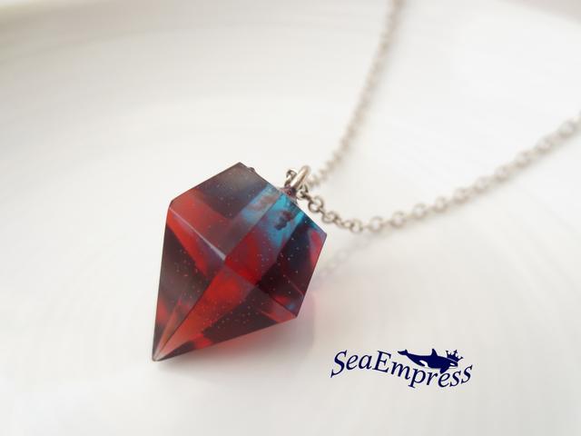 赤と青のマーブルな宝石ネックレス
