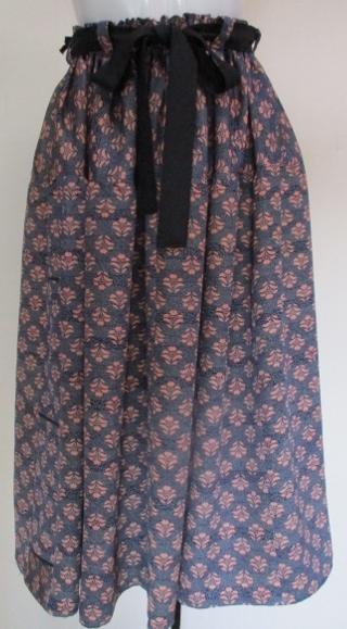 着物リメイク 小紋の着物で作ったスカ...