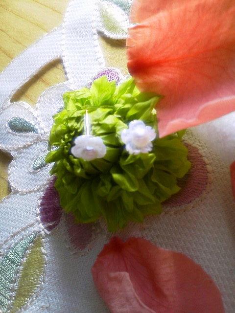 可憐なお花のホワイトシェルと淡水パー...