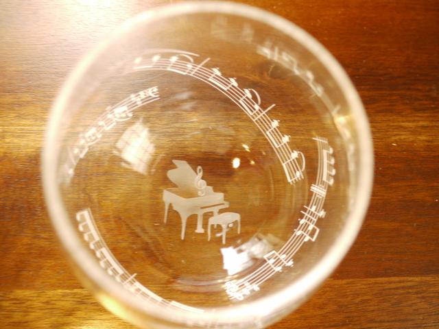 楽器のゆらりんグラス(ピアノ)