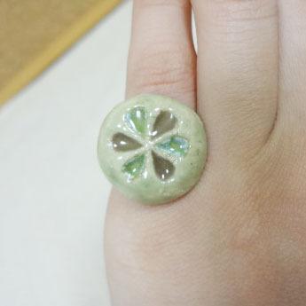 お花の指輪 02