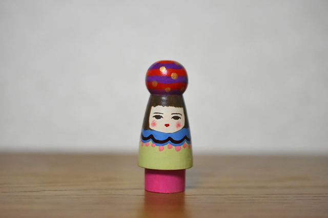球体者(あか紫よこじま)