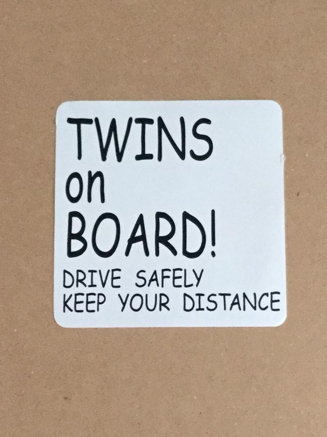TWINS ON BORAD! 車 ステッカー