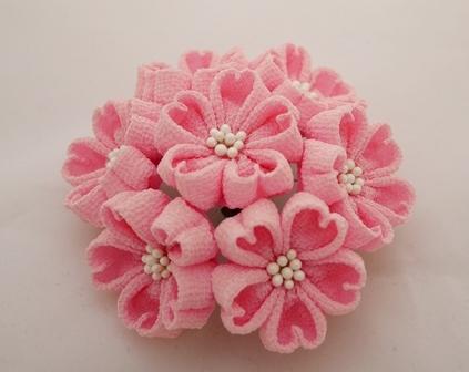 ピンク色の桜 つまみ細工