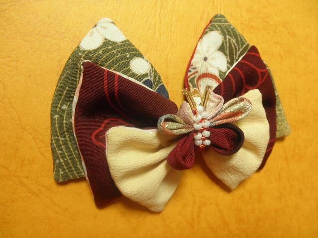 バレッタ「花びら胡蝶の舞」