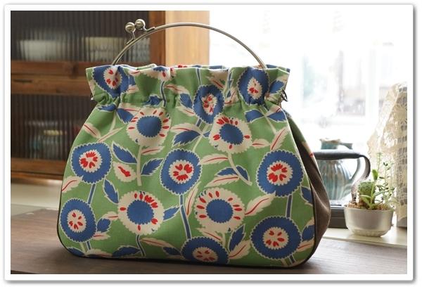 ☆レトロな花柄のがまぐち2wayバッグ/グリーン☆