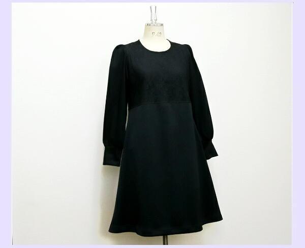 リトルブラック☆胸元レース☆フレアドレス