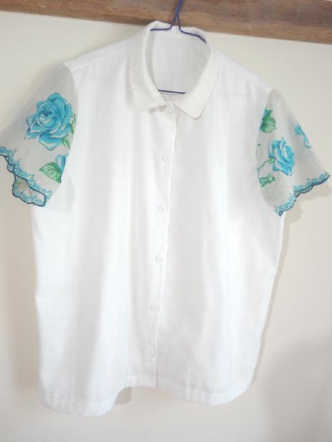 ハンカチーフ袖のブラウス  S ブルー