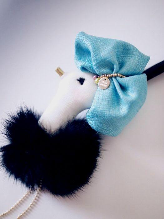 ostrich charm 02