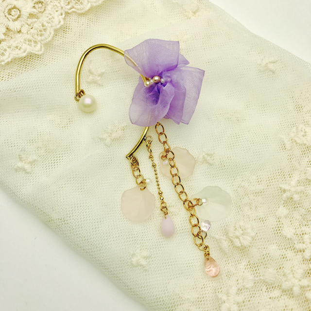 桜色のイヤーフック