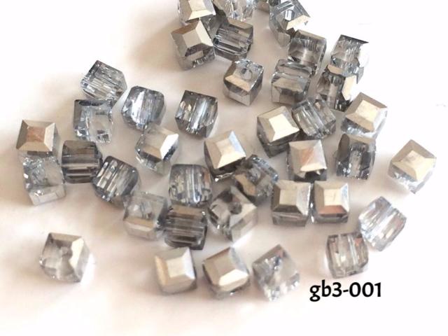 gb3-001\tガラスビーズキューブ\t3mm\t銀\t40個