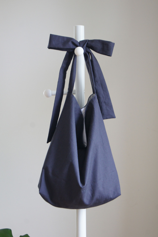 リボンのバッグ(ナス紺)