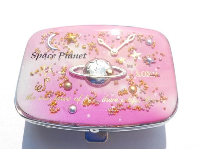 ピンクの惑星画  土星ピルケース(ミラ...