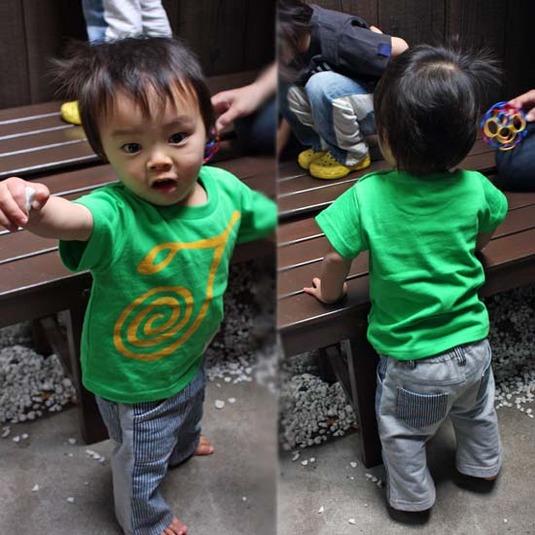 【JIKUU】 キッズTシャツ『ぐるぐるJ』