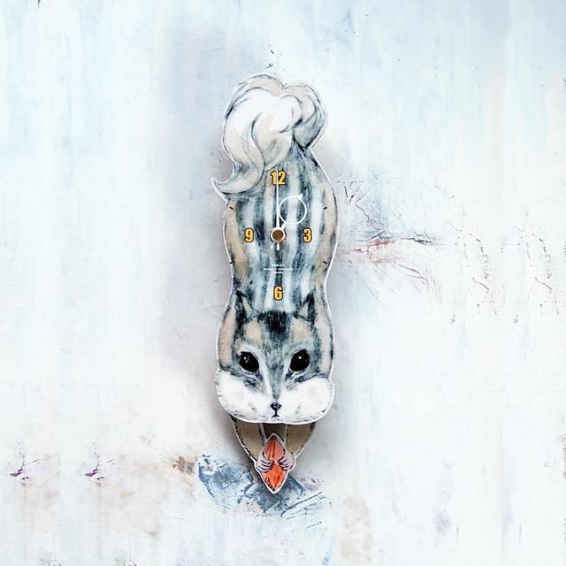 リスの壁掛け振り子時計