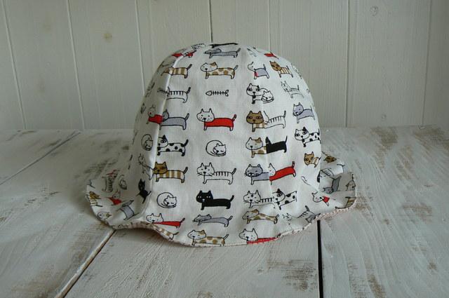 可愛いネコちゃん柄の帽子 オフホワイ...