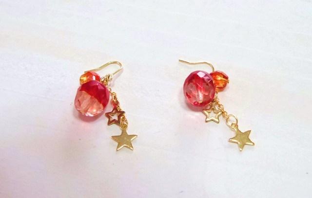 赤いリンゴとお星さまのピアス