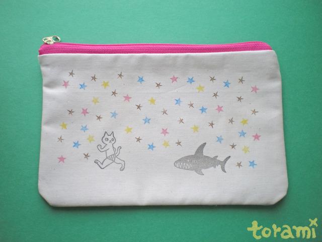 猫ポーチ★サメと鬼ごっこ