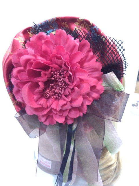 送料無料!!ちょっと中華風 大きな赤いお花のラウンド型ヘアアクセサリー
