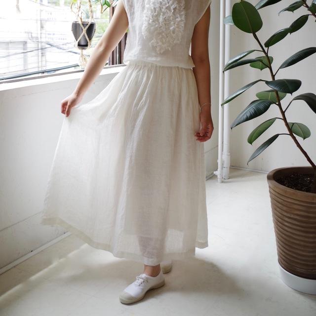リネンシャンブレーのギャザーロングスカート(white)