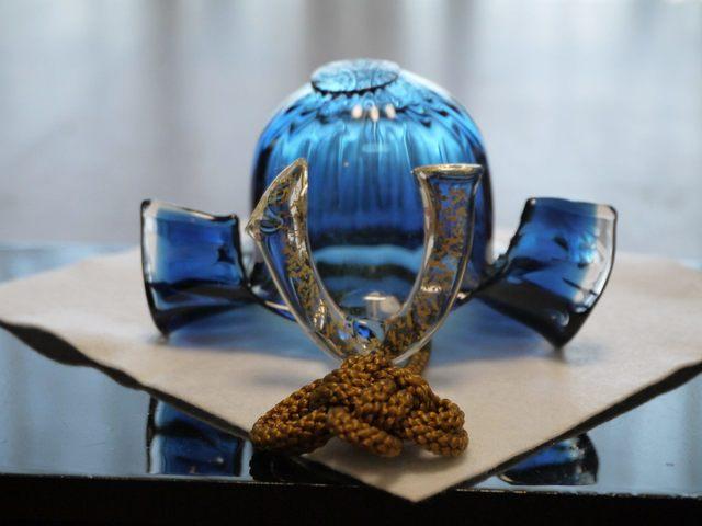 【端午の節句直前セール】ガラスの兜(藍)