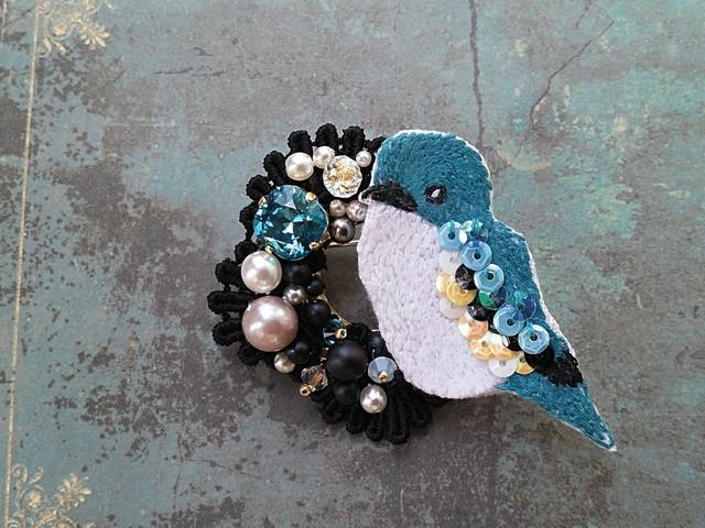 再販(×3) 青い鳥の刺繍ブローチ
