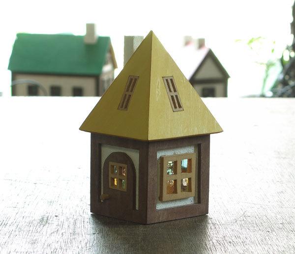 木とガラスの小さな家(黄)送料無料