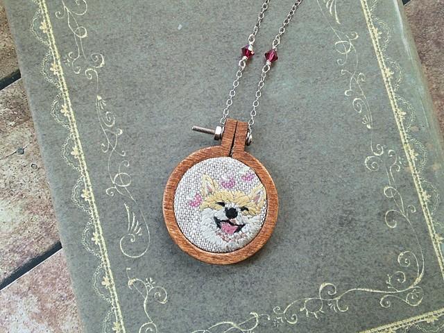 刺繍枠ネックレス 柴犬