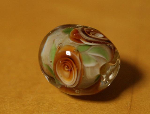 アウトレット glass beads (とんぼ玉)トパーズ色の薔薇/ルナ