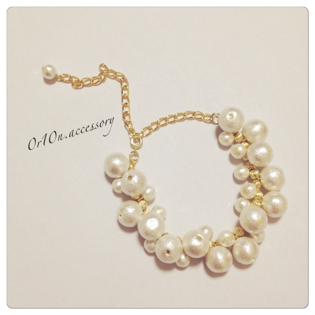 range pearl bracelet.