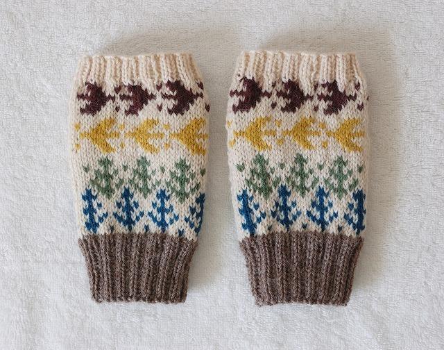 手編みの指なしミトン 【森の小鳥】