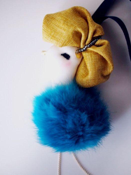 ostrich charm 05
