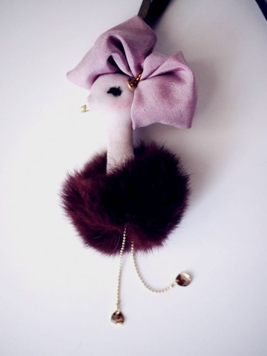 ostrich charm 06