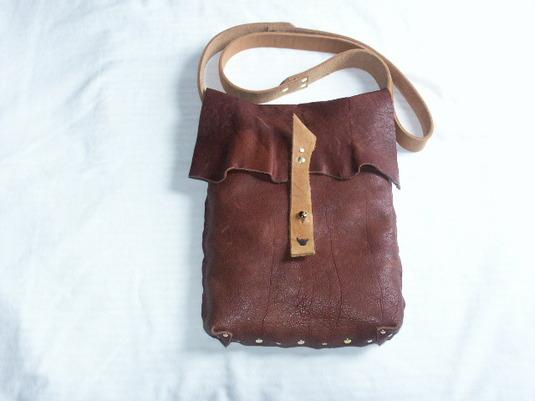 本革製 メッセンジャーバッグ