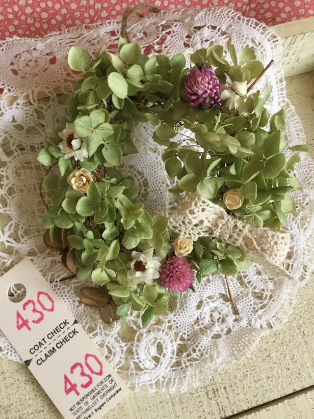 紫陽花アナベルと小花のナチュラルリース