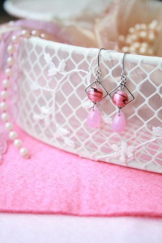 ◆ピンクドロップピアス