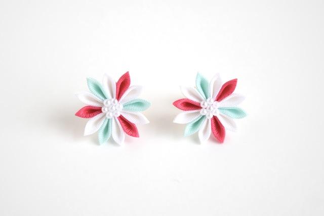 ピンク×ミントのひな菊ピアス