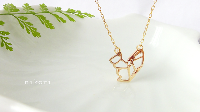 Geometric-Squirrel necklace