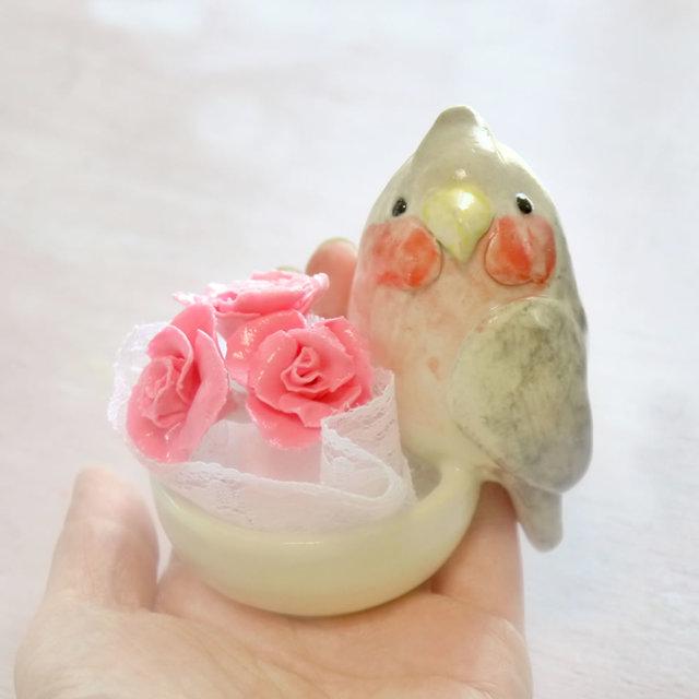 《母の日》モモイロインコの陶器の小物入れ