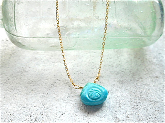 Carved turquiz ocean necklace 14kg