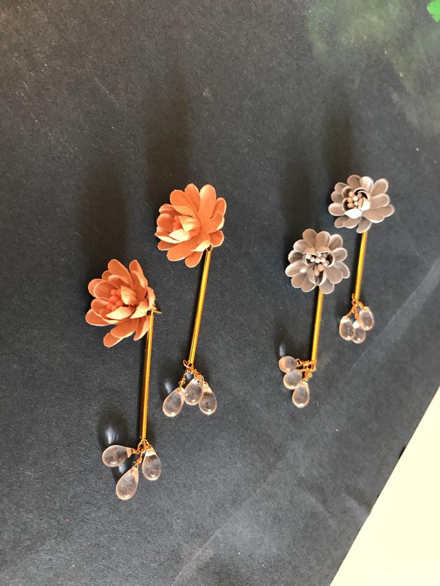 お花とクリスタルドロップのpierce