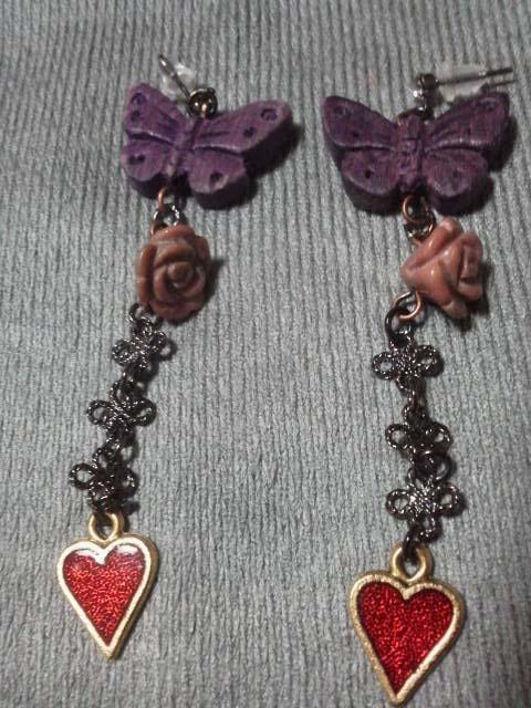 【売切れ】木の蝶と薔薇とハートのピアス