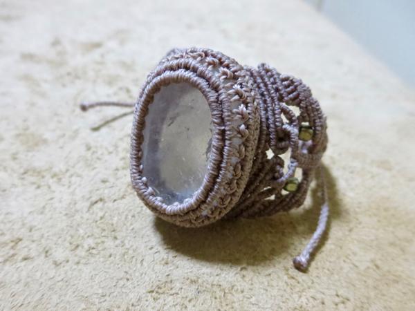 リバーストーン加工水晶のブレスレット