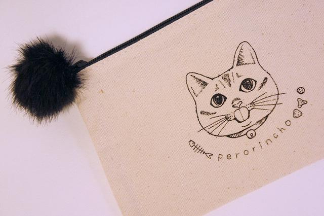 ぺろりん猫 フラットポーチ